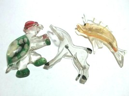 VINTAGE WHIMSICAL 1940s CARVED LUCITE TURTLE HORSE SAIL FISH BROOCH FIGU... - $250.00