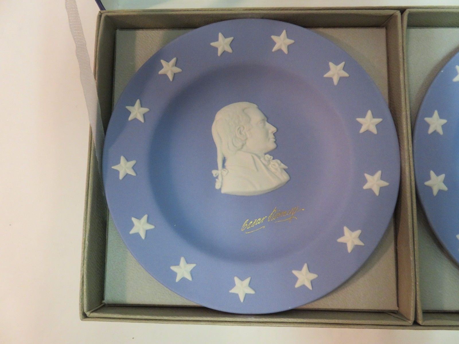 Wedgwood Jasper Blue Compotiers State Seal Series Delaware Small Plates in Box image 2