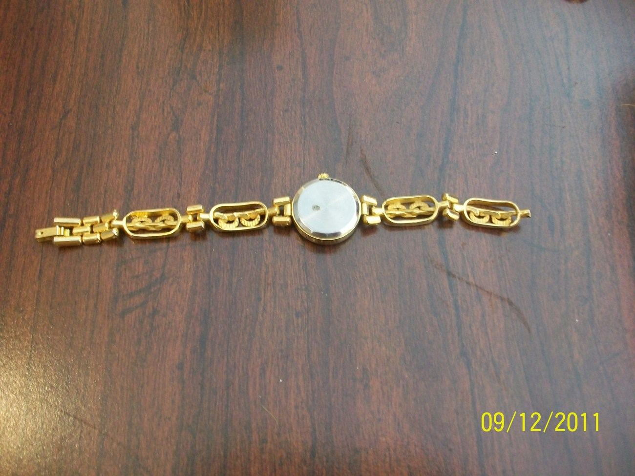 LADIES' VINTAGE WRISTWATCH Futura JAPAN QUARTZ WATCH GOLD pl