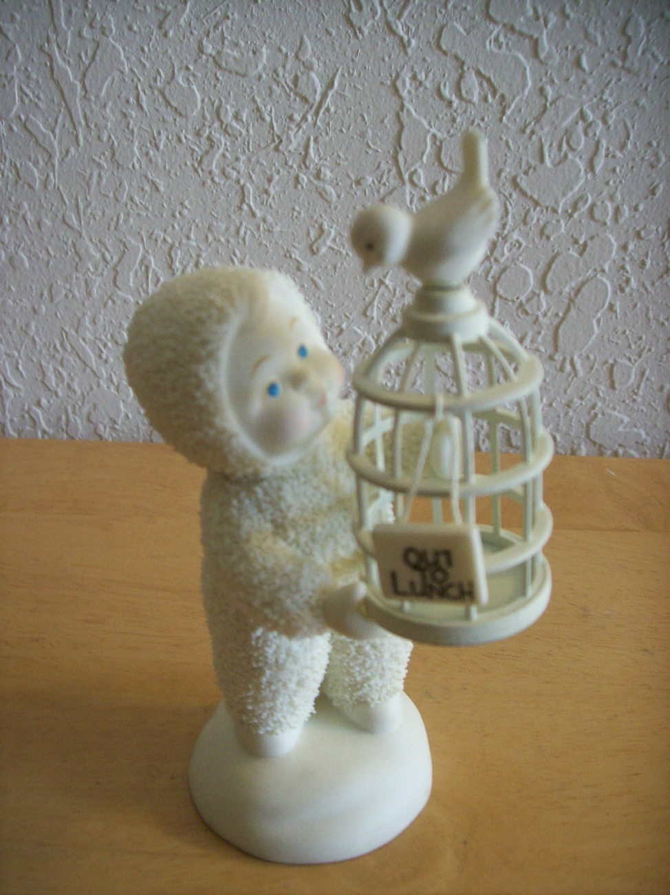 """Dept. 56 2003 Snowbabies """" Out to Lunch"""" Figurine"""