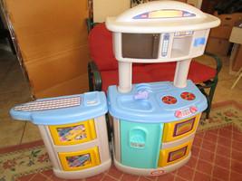 No Shipping. Little Tikes Child Size Toy Play Kitchen Preschool Vintage - $89.00