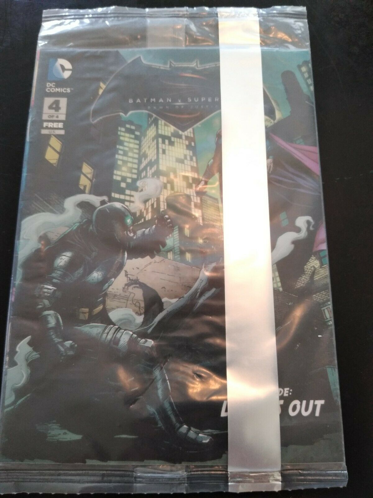 DC Comics Batman v Superman Dawn of Justice Comic Book 4 of 4 (Premiere Edition)