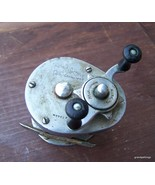 Vintage Direct Drive SHAKESPEARE #1924 PK Fishing Reel - $65.00