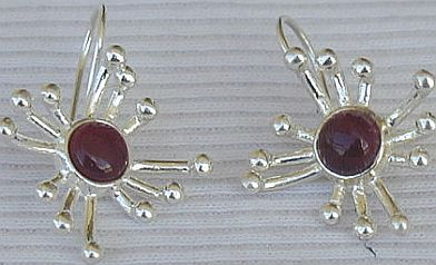 Red prickle earrings