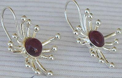 Red prickle earrings