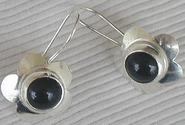 Black flowers earrings