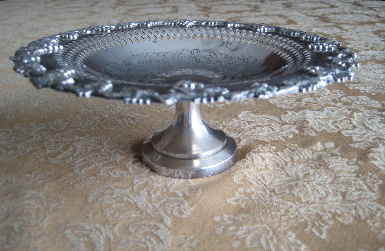 "Vintage Silverplate Wm.A. Rogers ""Old English Reproduction"" Compote Dish"
