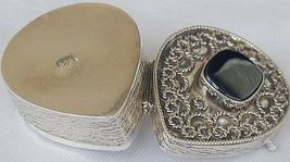Mini black heart box 1 thumb200
