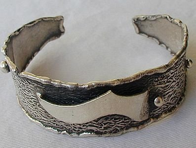 Silver bangle C
