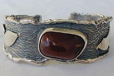 Red silver bangle B