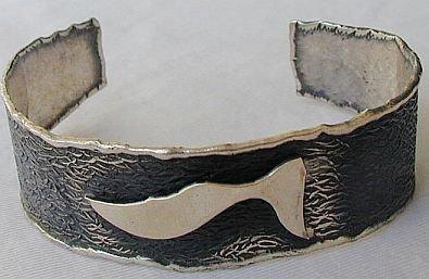 Silver bangle b