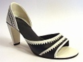 Dressed To Impress Black/White New Heights Spirited Open Toe Just the Ri... - $24.99