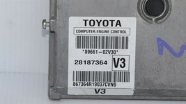 Toyota Matrix Computer Engine Control Module ECU ECM 89661-02v30 image 2