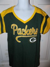 NFL TEAM APPAREL GREEN BAY PACKERS V-NECK T-SHIRT SIZE 10/12 GIRL'S EUC image 2