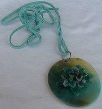 Greenish mother of pearl 2 thumb200