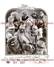 An item in the Entertainment Memorabilia category: THE MUPPETS CAST AUTOGRAPHED 8x10 PHOTO JIM HENSON MISS PIGGY KERMIT THE FROG +
