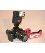 Canon EOS 650 SLR 35mm Film Camera with Sunpack Flash - $70.00