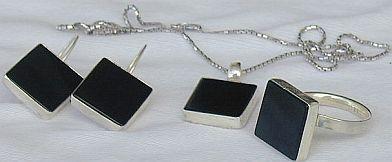 Onyx square set