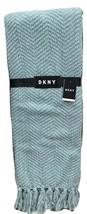 "DKNY Throw Blanket Knit Chenille Herringbone W/ tassels Trim 50""X 60"" Se... - $1.141,33 MXN"