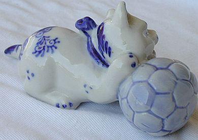 A footballer cat ...