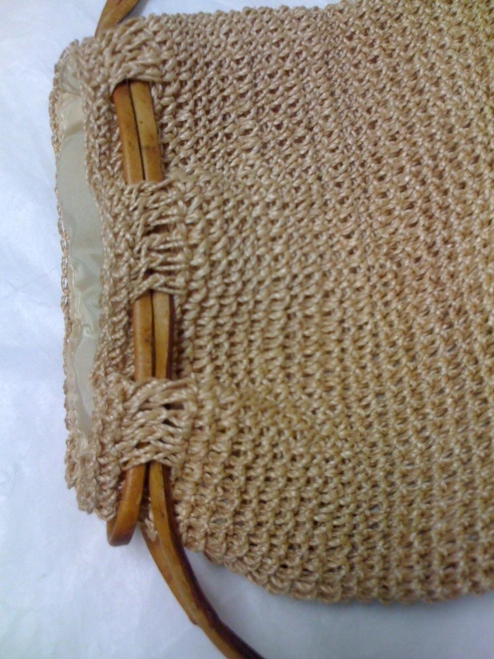 Crochet Raffia Bag Pattern ~ Traitoro for
