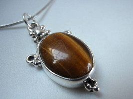 New Crested Tiger Eye Sterling Silver Pendant India - $7.91