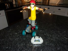 """STREET GRINDER SKATEBOARDER"" EXTREME TOY REMOTE CONTROL 1998 VINTAGE TYCO - $39.50"