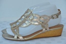 Clarks Playful Tunes Womens 7.5 M Gold Leather Studded Scroll Wedge Sandals - $29.69