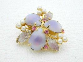 VTG JULIANA D&E Gold Tone Light Purple Pressed Glass Faux Pearl Pin Brooch - $123.75