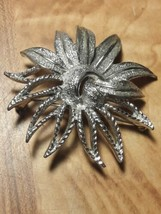 Stunning Vintage Sarah Coventry Jewelry Brooch or Pin - $10.88