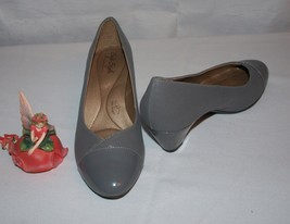 Soft Style by Hush Puppies Heels Gray Size 8M  - $19.75