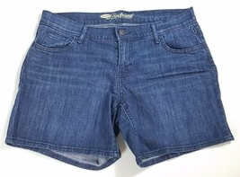 Old Navy Boyfriend Shorts Size 6 Blue Jean Flat Front Women's Denim - $15.99