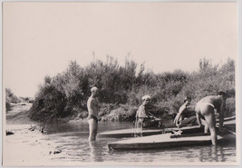 Original vintage 1930s SNAPSHOT swimmers at the river - $9.46