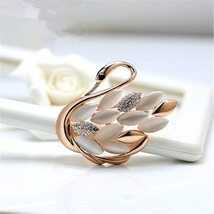 Brooch Lapel Pin Shawl Clip Corsage in Crystal Rhinestone Alloy, Jewelry Gift fo - $20.00