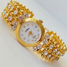 Vintage Le Baron Women's White Sparkling Rhinestones Crystals Gold Tone ... - $17.77