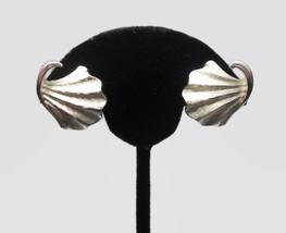 Crown Trifari Silver Ginko Leaf Clip on Earrings Scallop Shell Fan Shape - $38.00