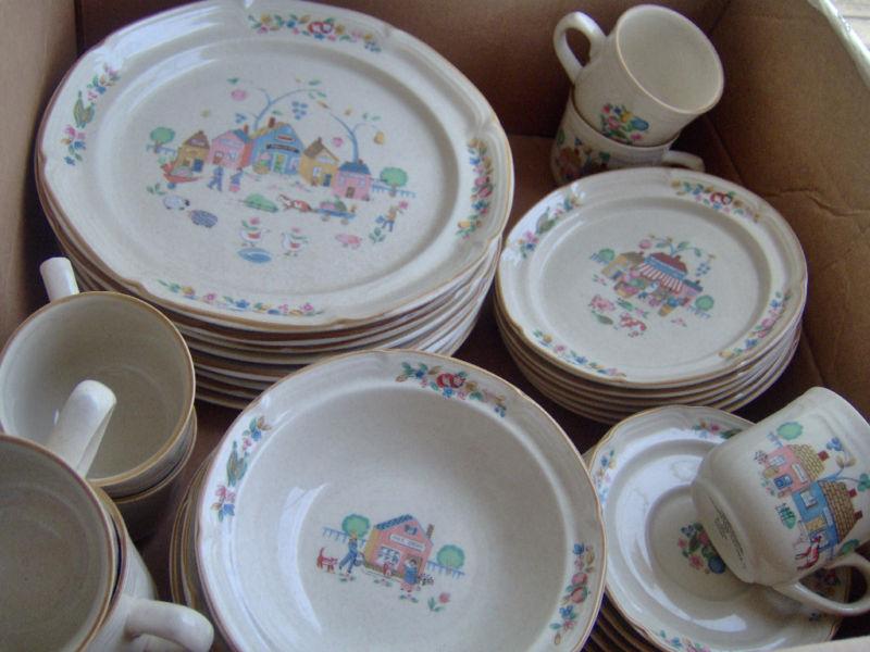 Heartlands Village 105 International Tableworks Stoneware
