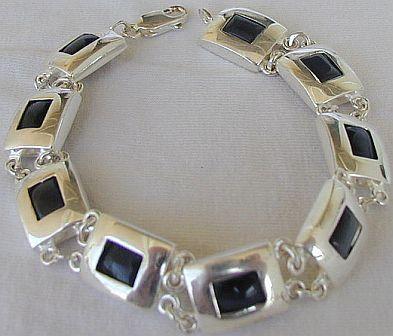 Oynx parts bracelet