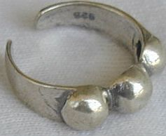 3balls toe ring