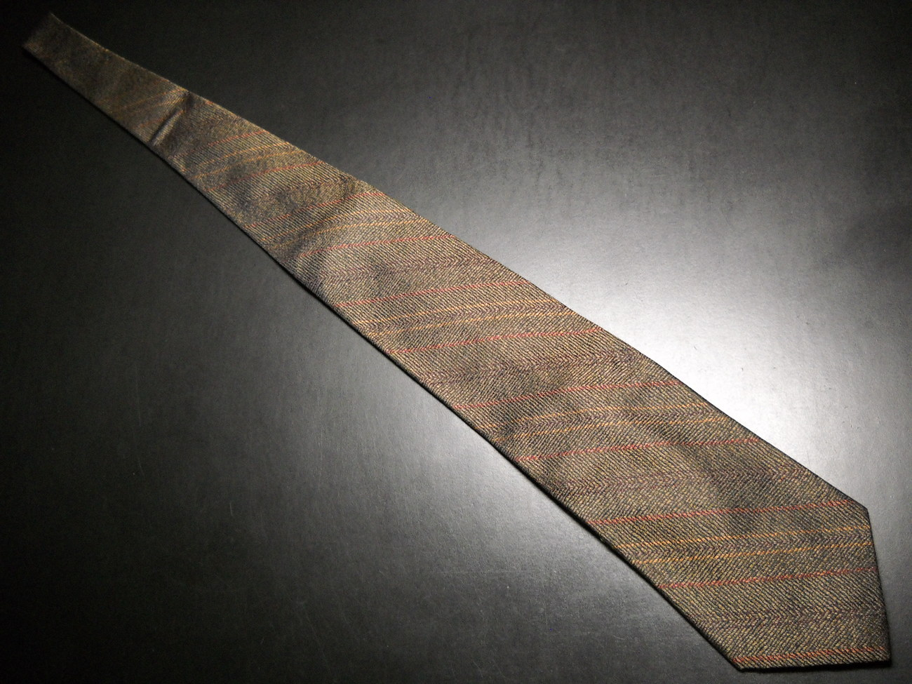 Hart Schaffner Marx Neck Tie Silk Woven in Italy Tie Made in USA Browns Gold