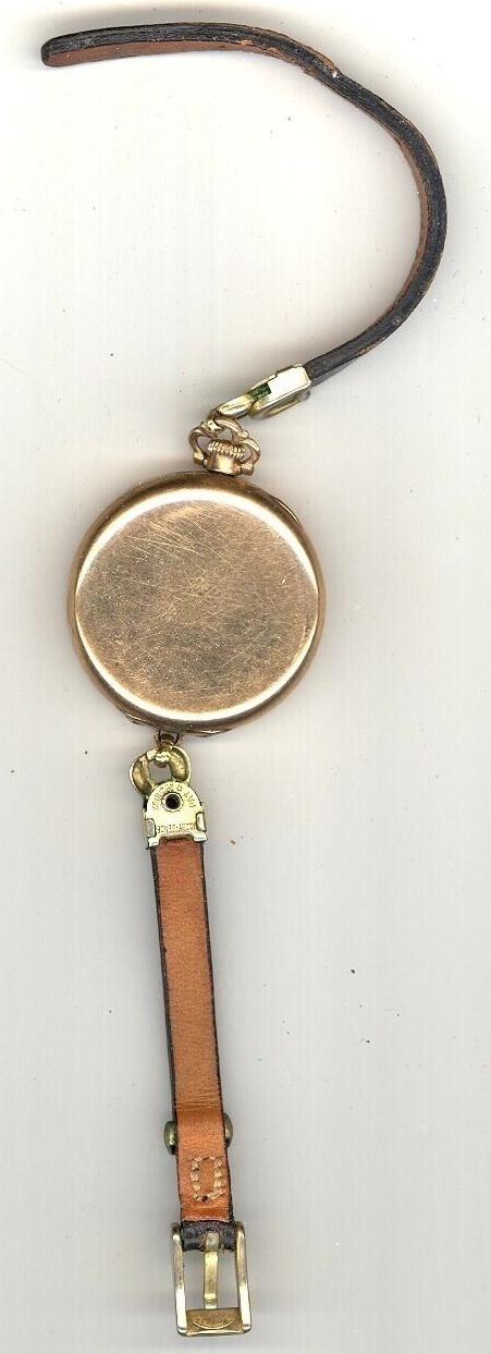 Waltham ladies gold vintage wristwatch 1915 classic antique vintage