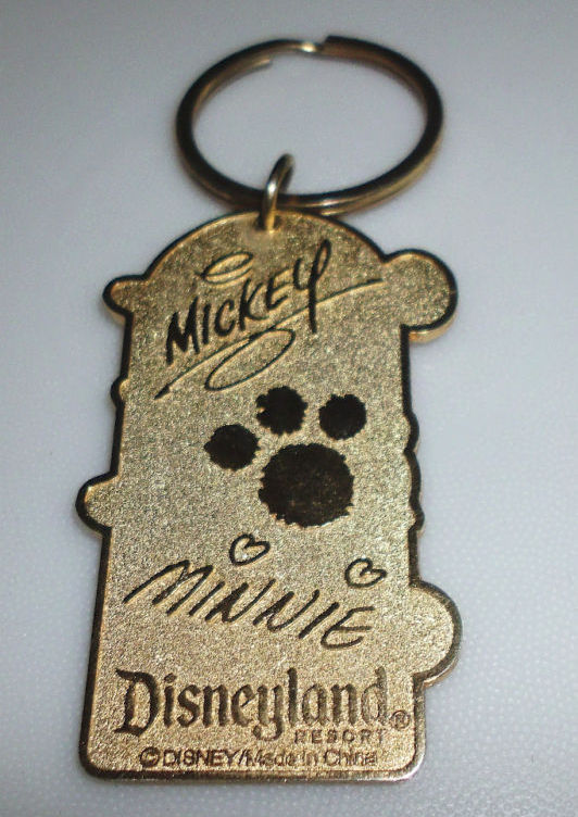Disneyland Resort Mickey Minnie Pluto Courtney Keychain