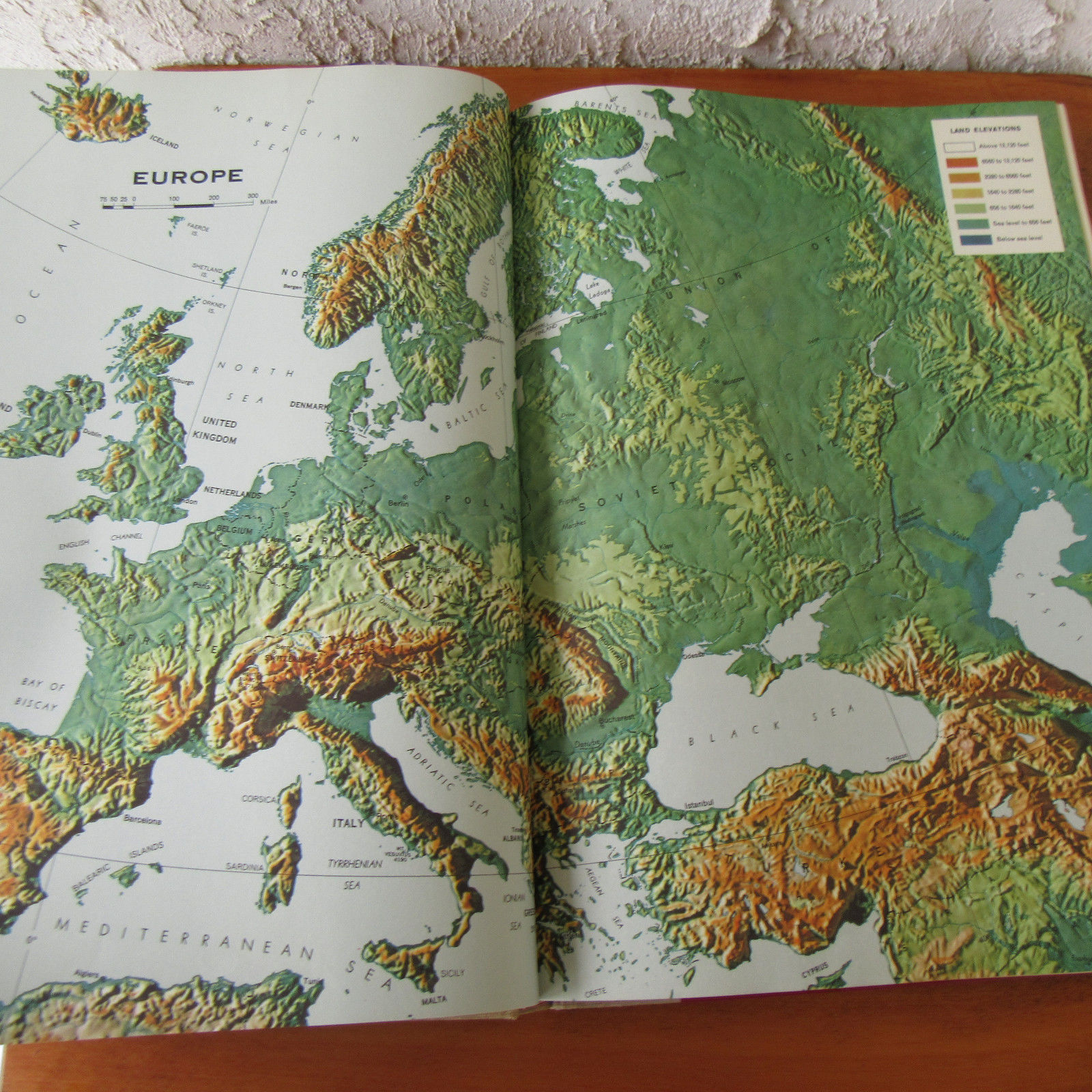 Vintage 1963 readers digest great world and 36 similar items vintage 1963 readers digest great world atlas color pictures 1st edition gumiabroncs Image collections