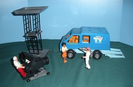 Vintage Fisher Price #309 Adventure People TV V... - $65.00