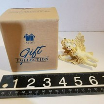 """Avon Cherub with Bouquet of Flowers Gift Collection Ornament 3"""" Tall OB2A32 - $7.84"""