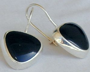 Black hearts earrings