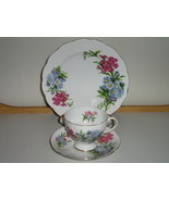"Royal Standard English Bone China Trio - ""Princess Louise"" Pattern - 1950s  - $322,26 MXN"