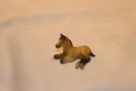 Breyer Reeves Stablemates Thoroughbred Lying Foal Tan Dun Vintage - $18.80
