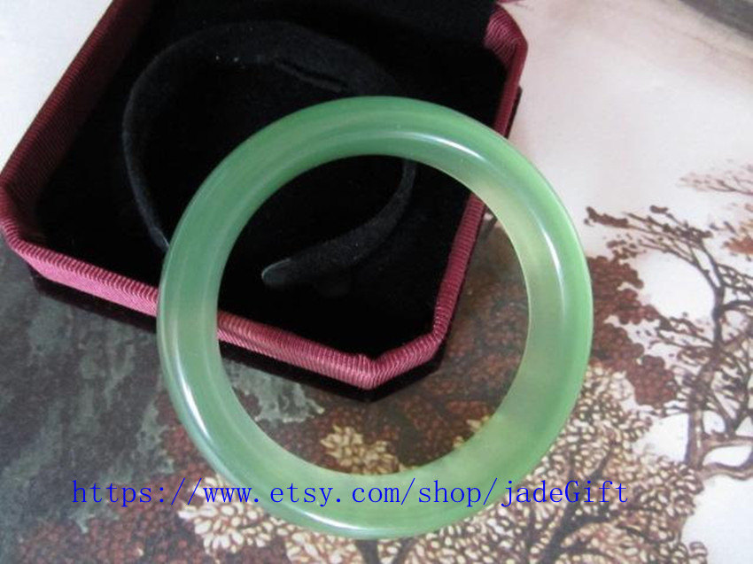FREE SHIPPING - jade gift The charm of natural green bangle - Customize your bra
