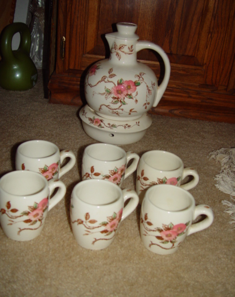 Vintage Nasco Spring Time Pitcher & Warmer Set W/ 6 Cups Floral Pattern 1940